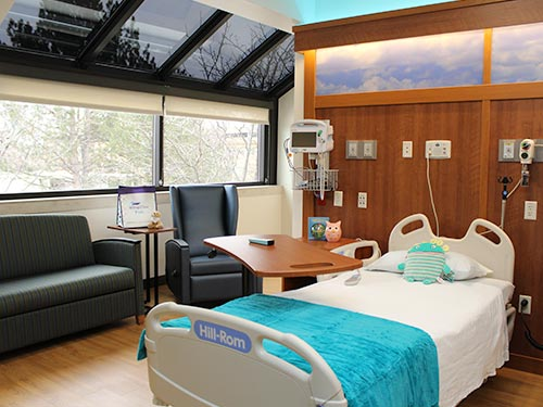 Patient room for sick siblings to stay together